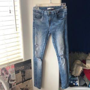 zara light wash stretchy skinny jeans size 26